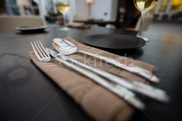 Közelkép eszik kellékek szalvéta asztal étterem Stock fotó © wavebreak_media