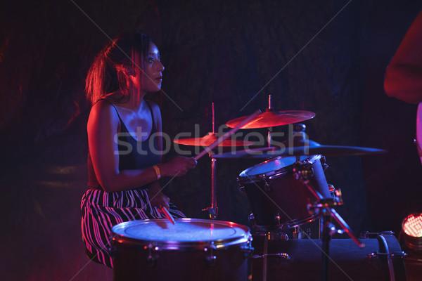 Kobiet perkusista nightclub drum Zdjęcia stock © wavebreak_media