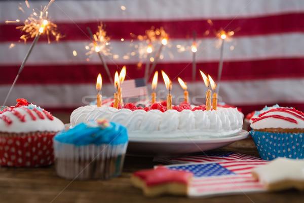 Vatansever kek ahşap masa gıda Stok fotoğraf © wavebreak_media