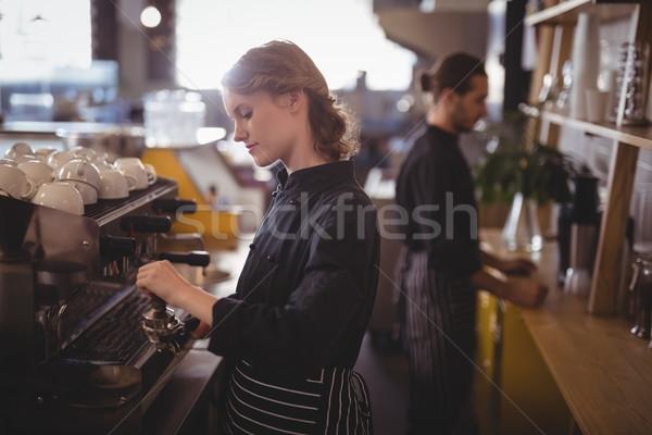 вид сбоку молодые рабочих кофейня человека счастливым Сток-фото © wavebreak_media