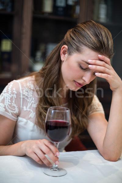 Déprimée femme verre de vin restaurant triste client Photo stock © wavebreak_media