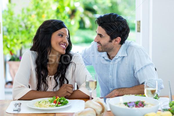 Praten maaltijd keuken home liefde Stockfoto © wavebreak_media