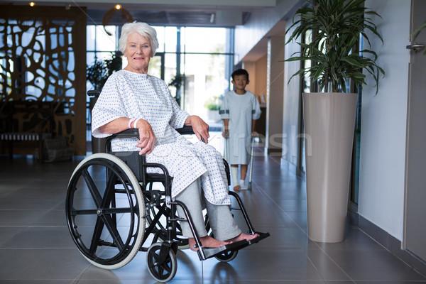 Inválido senior paciente cadeira de rodas hospital corredor Foto stock © wavebreak_media