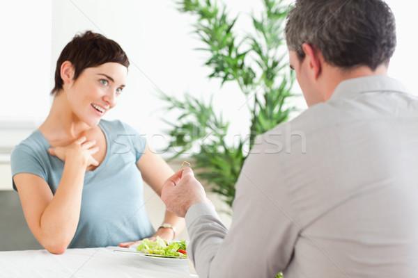 Stockfoto: Man · glimlachend · vriendin · restaurant · wijn · licht