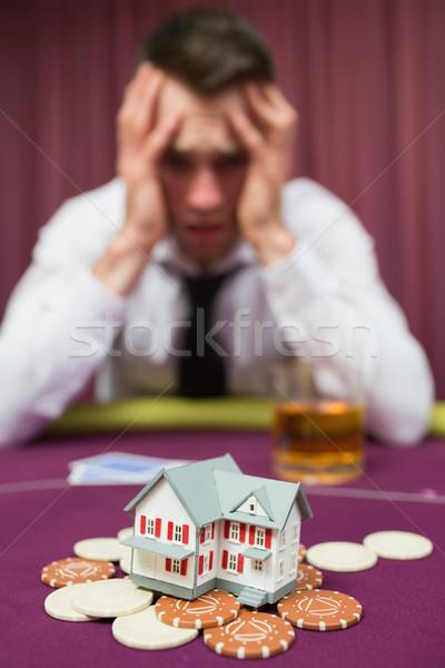 Homem casa cassino pôquer jogo mão Foto stock © wavebreak_media