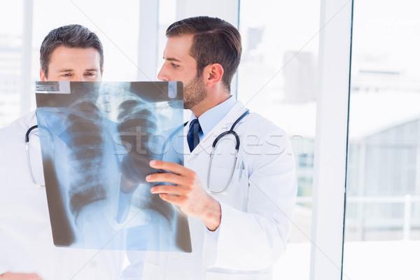 Iki erkek doktorlar xray parlak Stok fotoğraf © wavebreak_media