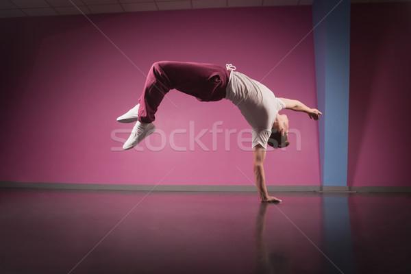 クール ブレーク ダンサー 逆立ち 1 手 ストックフォト © wavebreak_media