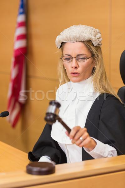 Poupe juge séance écouter tribunal chambre Photo stock © wavebreak_media
