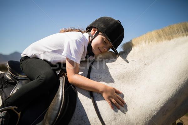 Sonriendo nina caballo blanco rancho Foto stock © wavebreak_media