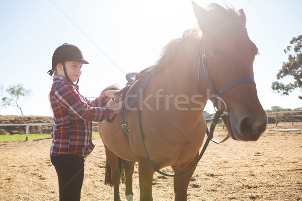 Nina silla de montar caballo rancho nino Foto stock © wavebreak_media