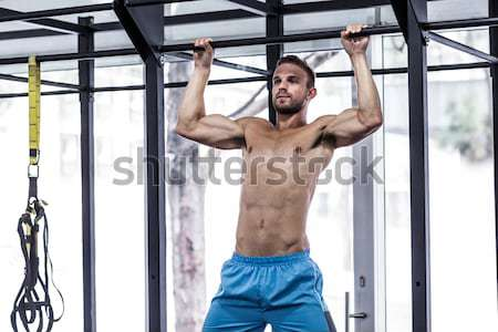 Gespierd man omhoog beneden crossfit Stockfoto © wavebreak_media