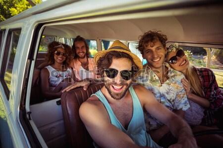 Kadın resim arkadaşlar adam mutlu Stok fotoğraf © wavebreak_media