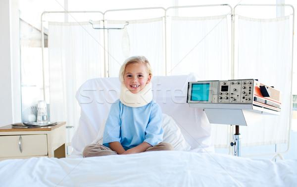 Beteg nyak ül kórházi ágy portré lány Stock fotó © wavebreak_media