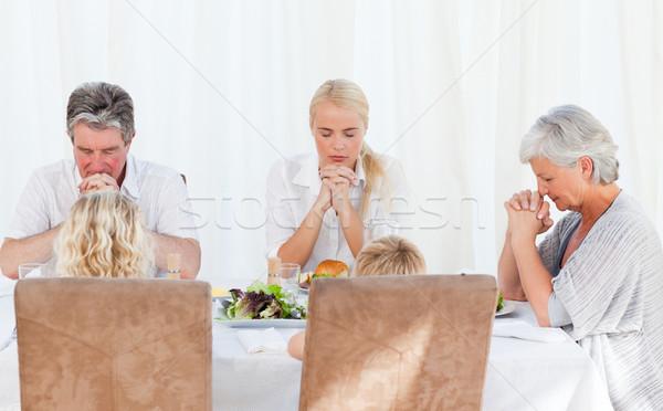 Mooie familie bidden tabel hand kinderen Stockfoto © wavebreak_media