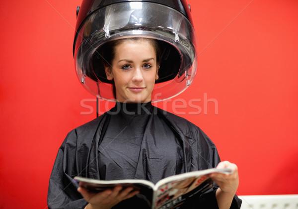 若い女性 マシン 読む 雑誌 女性 幸せ ストックフォト © wavebreak_media