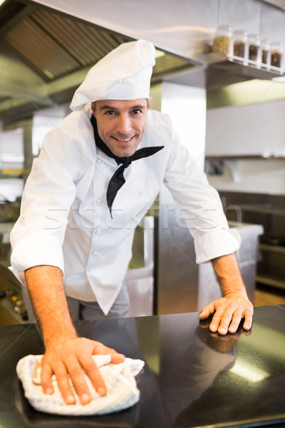 улыбаясь мужчины Кука борьбе Top кухне Сток-фото © wavebreak_media