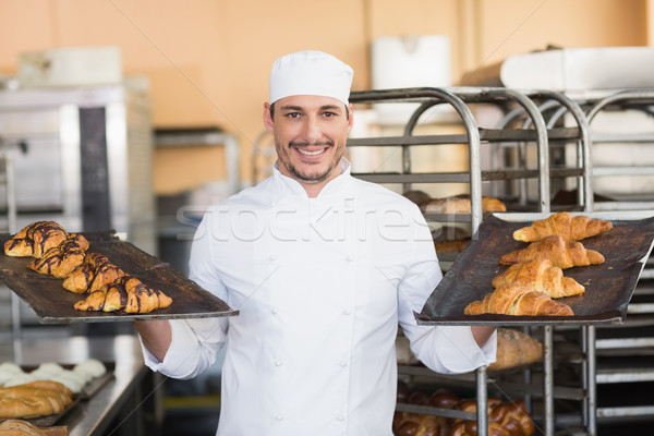 улыбаясь Бейкер круассаны кухне хлебобулочные Сток-фото © wavebreak_media