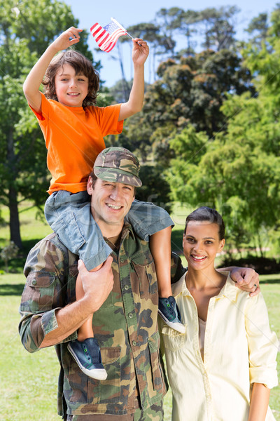 Stok fotoğraf: Amerikan · asker · aile · kadın · ağaç