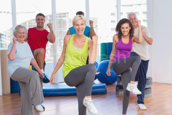 Mensen macht fitness oefening studio portret Stockfoto © wavebreak_media