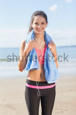 портрет улыбающаяся женщина салфетку Постоянный небе Сток-фото © wavebreak_media