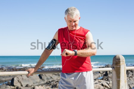 мнение старший человека сидят доска для серфинга Сток-фото © wavebreak_media