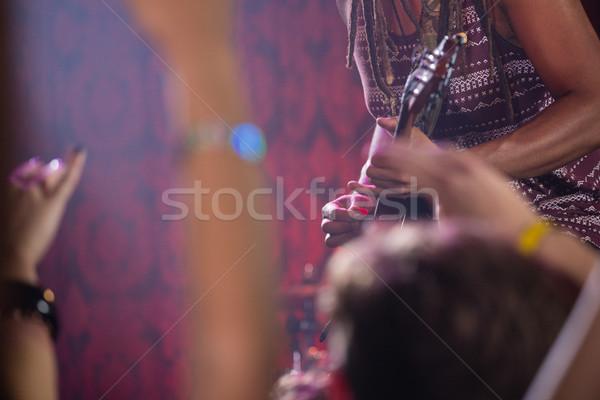 Gitarist oynama gitar sahne gece kulübü Stok fotoğraf © wavebreak_media