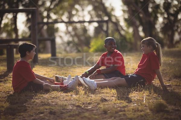 Portret gelukkig kinderen ontspannen gras Stockfoto © wavebreak_media