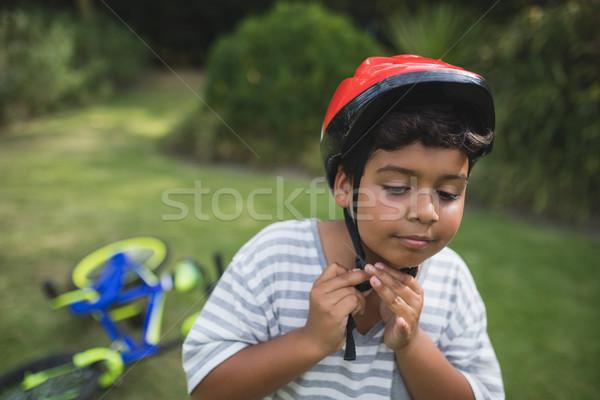 Chłopca rower kask parku stałego Zdjęcia stock © wavebreak_media