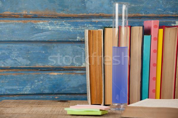 Boeken chemische reageerbuis sticky notes school Stockfoto © wavebreak_media