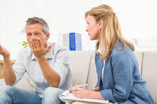 Terapeuta escuta masculino escritório mulher Foto stock © wavebreak_media