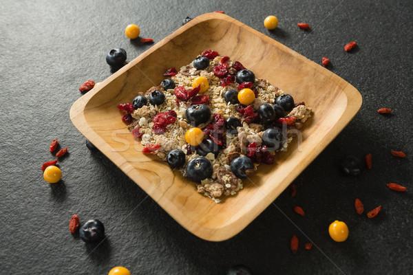 Plaat ontbijtgranen vruchten zwarte fitness Stockfoto © wavebreak_media