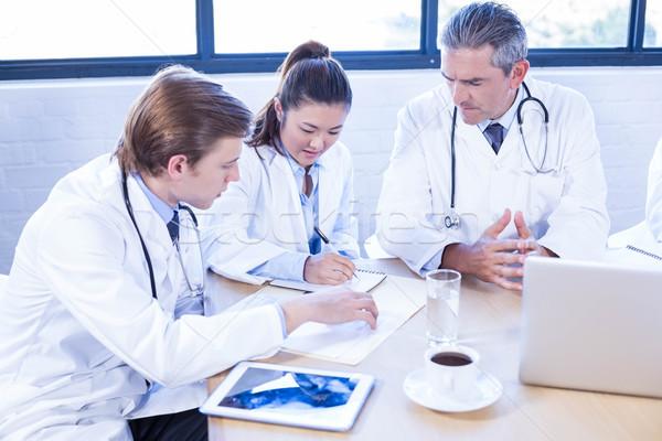 медицинской команда заседание конференц-зал компьютер Сток-фото © wavebreak_media