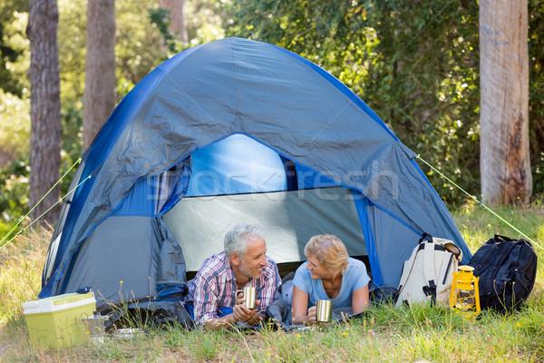 зрелый пару глядя другой лагерь Сток-фото © wavebreak_media
