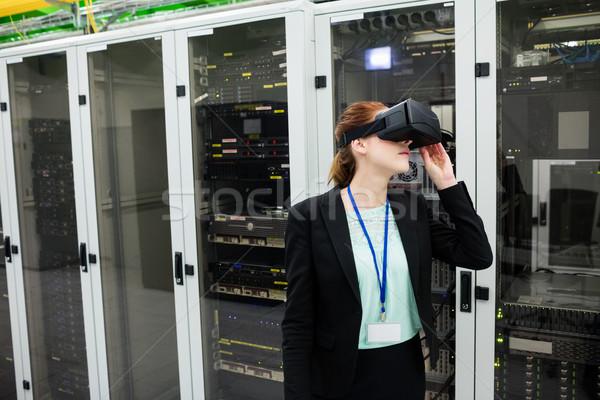 Técnico virtual realidad auricular servidor habitación Foto stock © wavebreak_media