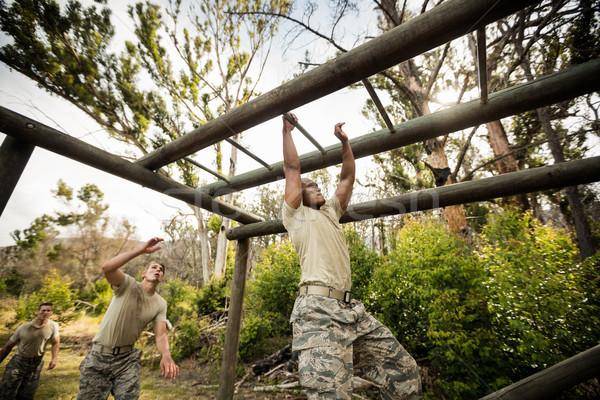 żołnierz wspinaczki małpa bary boot obozu Zdjęcia stock © wavebreak_media