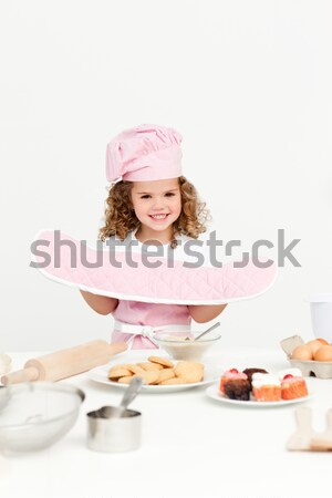 Cute meisje keuken handschoenen cookies huis Stockfoto © wavebreak_media