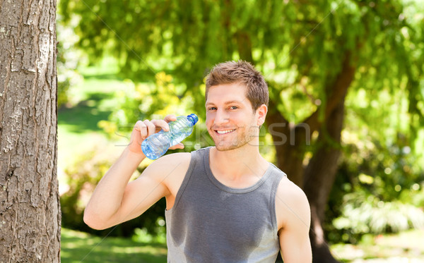Stockfoto: Man · drinkwater · park · water · zomer