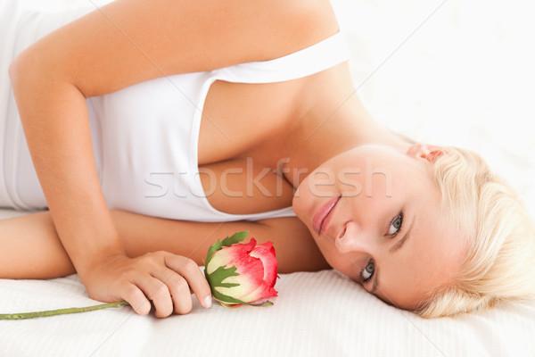 Tranquillo donna fiore camera da letto mano Foto d'archivio © wavebreak_media