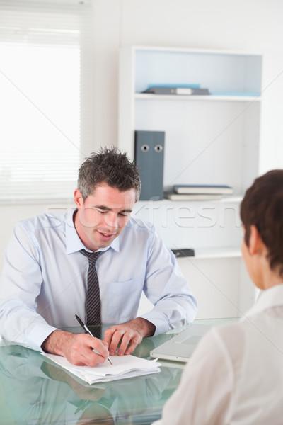Retrato gerente femenino solicitante oficina trabajo Foto stock © wavebreak_media