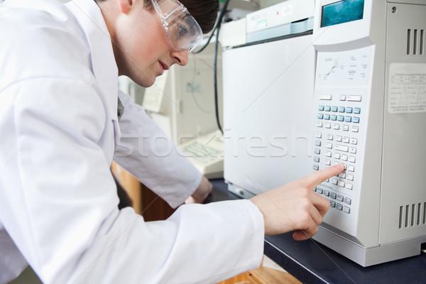 Tudomány diák laboratórium kályha másfelé néz kamera Stock fotó © wavebreak_media
