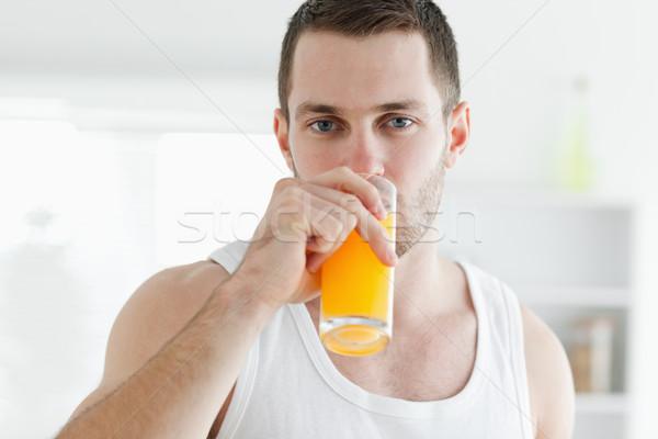 穏やかな 男 飲料 オレンジジュース キッチン フルーツ ストックフォト © wavebreak_media