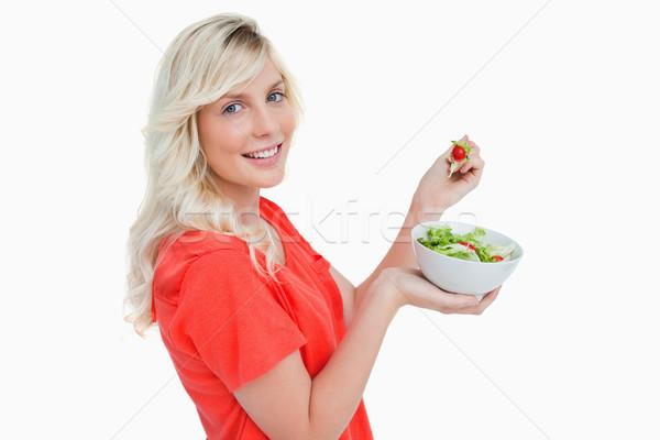 Yandan görünüş genç kadın yeme taze salata gıda Stok fotoğraf © wavebreak_media