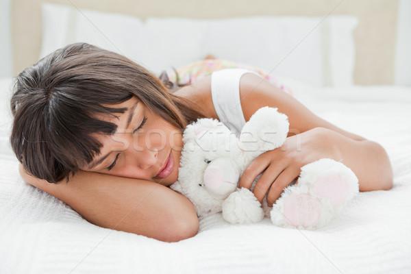 Dormire orsacchiotto letto bianco camera da letto Foto d'archivio © wavebreak_media