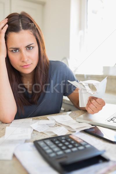 Sentimiento financieros presión cocina casa Foto stock © wavebreak_media