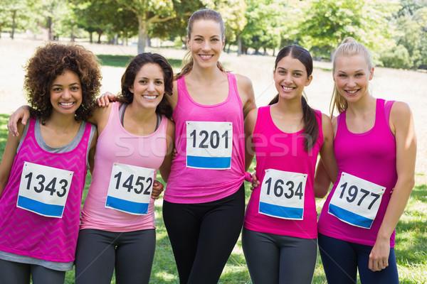 Mujeres cáncer de mama maratón retrato parque femenino Foto stock © wavebreak_media