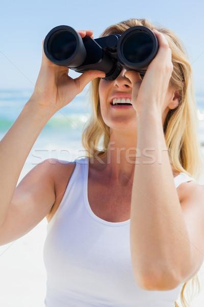 Patrząc lornetki plaży morza Zdjęcia stock © wavebreak_media
