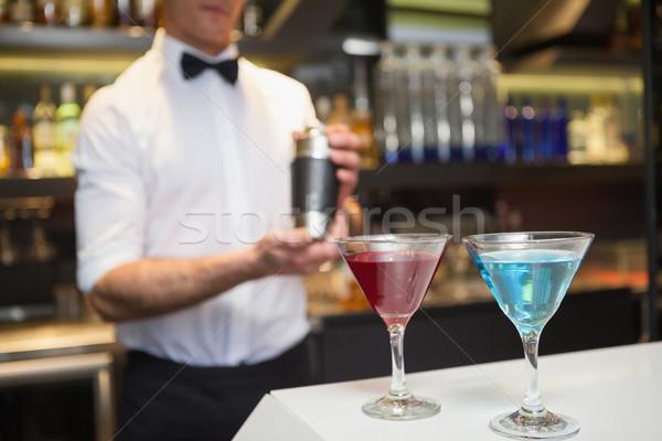 Aantrekkelijk bar man cocktail glas Stockfoto © wavebreak_media