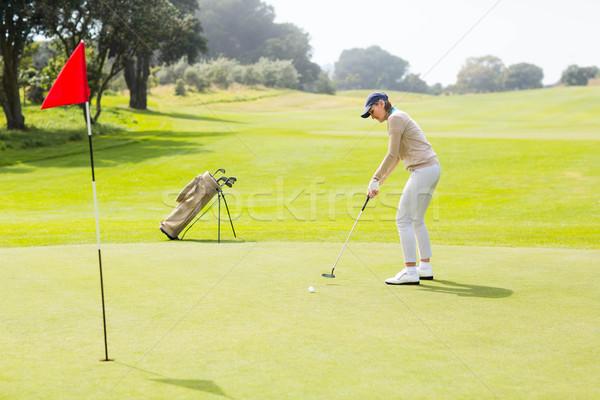 Kobiet golfa piłka golf kobieta Zdjęcia stock © wavebreak_media