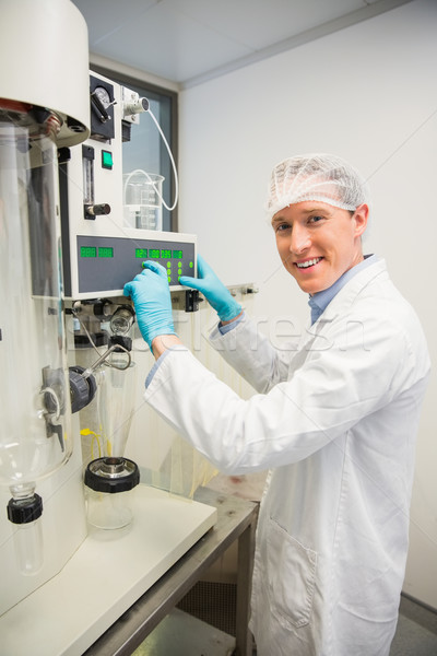 Pharmacien machines médecine laboratoire heureux Photo stock © wavebreak_media