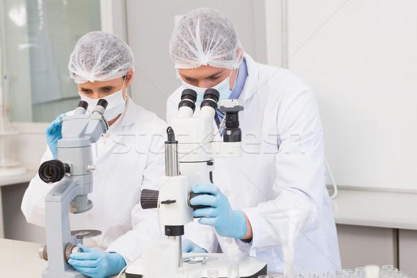 Bilim adamları çalışma kadın tıbbi laboratuvar kadın Stok fotoğraf © wavebreak_media